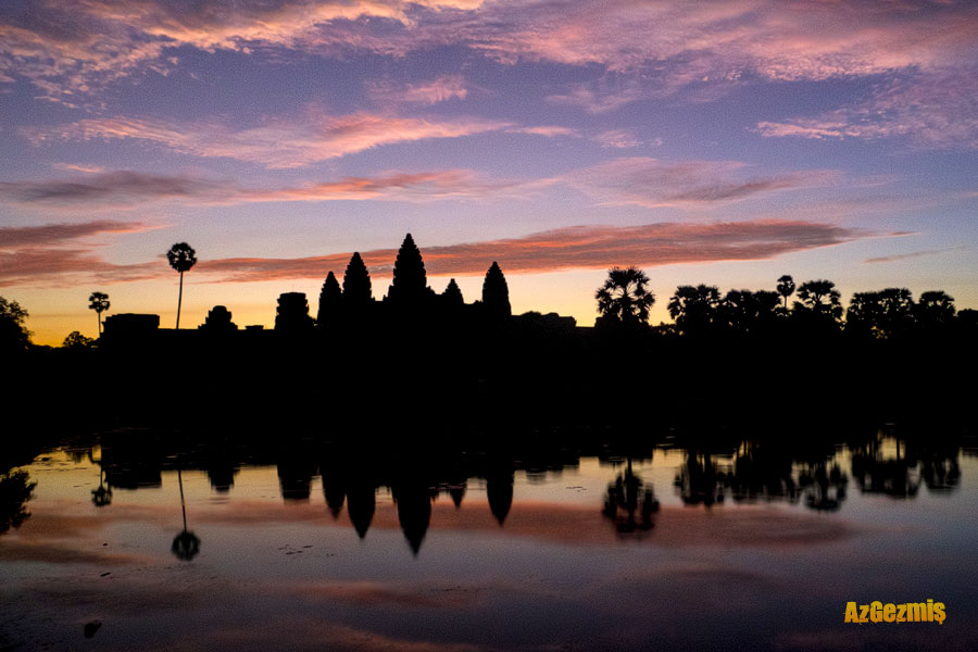 kambocya-angkor-wat-sunrise-reflection-azgezmis